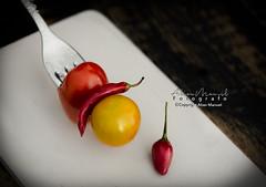 _DSC6017 (alianmanuel fotografia) Tags: foodphotography fotografiaculinaria tomate tomates tomatto pimienta chile food photofood bodegon foddphoto foodphotograph bodegones