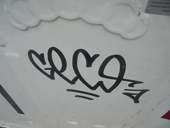 267 (en-ri) Tags: geco nero tag arrow genova zena wall muro graffiti writing