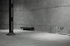 Tate Modern ii (elin*) Tags: olympusom1050mmlens ilforddelta400 tatemodern emptyspace