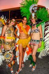 2010-02-06 Desfile de Llamadas en Montevideo (41) - Desfile de Llamadas (Parade der Rufe), Karnevalsumzug in Montevideo, Uruguay (mike.bulter) Tags: karneval carnival umzug parade karnevalsumzug desfiledellamadas frau menschen montevideo people southamerica suedamerika uruguay woman barriosur ury carnaval