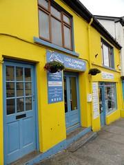 La ville de Clifden, région du Connemara (Comté de Galway, Irlande) (bobroy20) Tags: clifden irlande ireland eire connemara europe ville city street urbain architecture