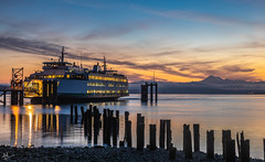 Just another sunrise! (ashpmk) Tags: canon canon5dmarkiv canon5dmark4 canon5d sun sunrise beautiful beautifulsunrise washington washingtonstate wa pacificnorthwest pacific pacificcoast pacificocean reflections reflection ferry