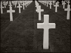 Normandie-Omaha Beach #3 2007; American Cemetery (hamsiksa) Tags: war wwii worldwartwo europeantheater france normandie dday omahabeach unknownsoldier america usarmy usa cemeteries militarycemeteries americancemeteriesinfrance blackwhite casualty killedinaction kia