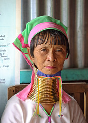 Kayan women - Inle lake - Myanmar (Rui Trancoso) Tags: mulheres girafa long neck women inle lake rui trancoso