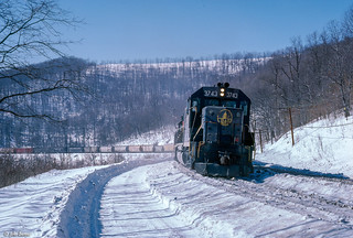 B&O 3743 East at McGuires, WV