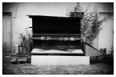 Poulets (M.G6) Tags: monochrome conept grill chicken poulet contemporain contemporaryphotographyart artcontemporain