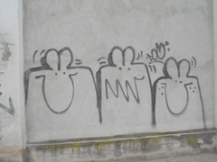 009 (en-ri) Tags: dou esserini nero spray torino wall muro graffiti writing