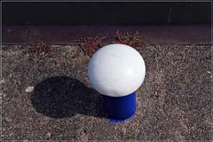 1 - Bleu, blanc (melina1965) Tags: août august 2018 panasonic lumix dmctz57 bourgogne burgondy saôneetloire montceaulesmines ombreetlumière lightandshade sol sols pavement eau water bleu blue blanc white