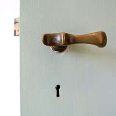 Enter (YIP2) Tags: door doorknob key minimal minimalism simple line lines detail details pattern curves abstract surface less urbandetail square carre city urban stripes linea geometry design texture museum construction architecture keyhole white macro