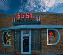 5th Street Tavern (Tim @ Photovisions) Tags: bar tavern southdakota yankton neon sign