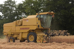 New Holland Clayson 8060 Combine Harvester cutting Winter Oats (Shane Casey CK25) Tags: new holland clayson 8060 combine harvester cutting winter oats rathcormac cnh nh yellow newholland grain harvest grain2018 grain18 harvest2018 harvest18 corn2018 corn crop tillage crops cereal cereals golden straw dust chaff county cork ireland irish farm farmer farming agri agriculture contractor field ground soil earth work working horse power horsepower hp pull pulling cut knife blade blades machine machinery collect collecting mähdrescher cosechadora moissonneusebatteuse kombajny zbożowe kombajn maaidorser mietitrebbia nikon d7200