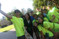Orientation Aides pose for a photo with W&M President Katherine A. Rowe on new student move-in day. (William & Mary Photos) Tags: williamsburg va usa williammary williamandmary college wm move day orientation fall class 2022 residence hall dormitory dorm new students life first year experience