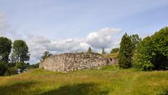Ruined (DameBoudicca) Tags: sweden sverige schweden suecia suède svezia スウェーデン hultaby ruins ruiner ruine ruinas rovine 廃墟 はいきょ castle slott château burg castillo castello 城 しろ