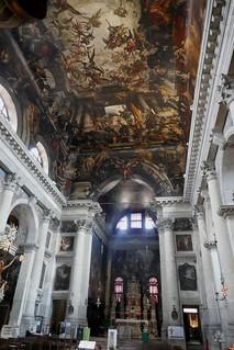 Décor baroque de la nef, église St Pantaléon (XIe), contrade San Pantalon, sestiere Dordsoduro, Venise, Vénétie, Italie.