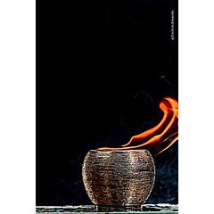 Pote, dourado, liquido, vermelho, inflamável, chamas, Splash (luizleitefotografia) Tags: frutas chocolate morango laranja branco pingos gotas folhas vermelho amarelo liquido luz pote dourado inflamável chamas splash sãopaulo brasil
