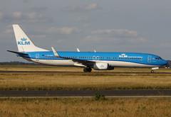 "PH-BXT, Boeing 737-9K2(WL), 32944/1498, KLM Royal Dutch Airlines, "" Zeestern / Sea Tern"", fleet # XT-405, CDG/LFPG 2018-09-08, entering on taxiway Delta. (alaindurandpatrick) Tags: phbxt 329441498 737 737nextgen 739 737900 boeing boeing737 boeing737nextgen boeing737900 jetliners airliners kl klm klmroyaldutchairlines airlines cdg lfpg parisroissycdg airports aviationphotography"