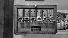 distributeur funiculaire (sebastien.demotier) Tags: funiculaire ancien montdore rails auvergne france ancient vieux noir blanc black white blacknwhite
