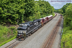 Norfolk Southern GE AC44C6M 4084 (Harry Gaydosz) Tags: trains railroads locomotives pa pennsylvania ns norfolksouthern ns4084 ns906 westmayfield eastconway