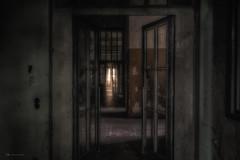 let`s see what`s inside (Blacklight Fotografie) Tags: abandoned decay forgotten verlassen verfallen vergessel lost urbex hdr licht lichtstimmung door doors tür türen lookinside