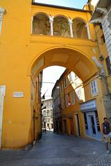 DSC_7197_4673- Fermo - Loggetta con affreschi- (angelo appoloni) Tags: marche fermo piazza del popolo loggetta arco architettonico