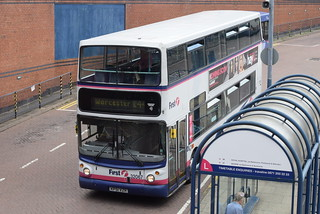 FW 32067 @ Worcester Crowngate bus station
