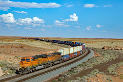 BNSF 7998 at Dennison 7/2/17 (Ray C. Lewis) Tags: bnsf burlingtonnorthernsantafe arizona northernarizona train railroad railfan freight rails sky mountains transportation