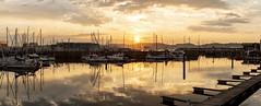 Atardecer en el puerto deportivo. Gijón. Panorámica. (David A.L.) Tags: asturias asturies gijón puestadesol puertodeportivo atardecer ocaso solponiente mar agua barcos velero