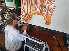 Darf ich vorstellen:Stuart. Er ist riesengroß (1, 2x1m) und ausnahmsweise in Acryl auf Leinwand gemalt. Stuart war eine Auftragsarbeit und befindet sich bereits in seinem neuen Zuhause. ____ #wandklex #malerei #handgemalt #auftragskunst #custompaint #comi (wandklex Ingrid Heuser freischaffende Künstlerin) Tags: zebra etsyseller smallbusiness etsyfindes wandklex etsyde etsygifts malerei auftragskunst handgemalt orange onewomanshow orangeisthenewblack painting comission etsyfinds etsy custompaint