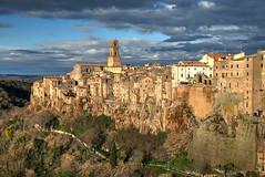 Pitigliano Morning (hapulcu) Tags: italia italie italien italy pitigliano sorano toscana toscane tuscany volterra winter
