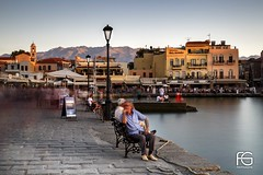 Le penseur de Chania (Fabien Georget (fg photographe)) Tags: lepenseur people crète cretia port portvénitien blue grèce island longexposure landscape paysage sky ayezloeil beautifulearth bigfave canoneos5d canon elitephotography elmundopormontera eos fabiengeorget fabien fgphotographe flickr flickrdepot flickrunited georget geotagged flickunited longue mordudephoto nature paysages perfectphotograph perfectpictures wondersofnature wonders supershot supershotaward theworldthroughmyeyes shot poselongue photography photo greatphotographer bluehour seascape sunset slowshutter
