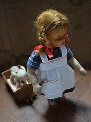 Hilde (shero6820) Tags: old vintage antique krahmer german wooden doll cloth toy puppe chemnitz handmade handcart bollerwagen 1948 steiff lamby limewood lindenholz carved geschnitzt gdr ddr deutschepuppe altedeutschepuppe 1950s kuckindiewelt