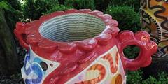 6 - Ecuisses (Bourgogne), La Villa Perrusson et son jardin - Sculpture en céramique de Frédérique Fleury - A l'intérieur, trace de la corde (melina1965) Tags: août august 2018 panasonic lumix dmctz57 bourgogne burgondy saôneetloire écuisses villaperrusson jardin jardins garden gardens sculpture sculptures céramique ceramic macro macros