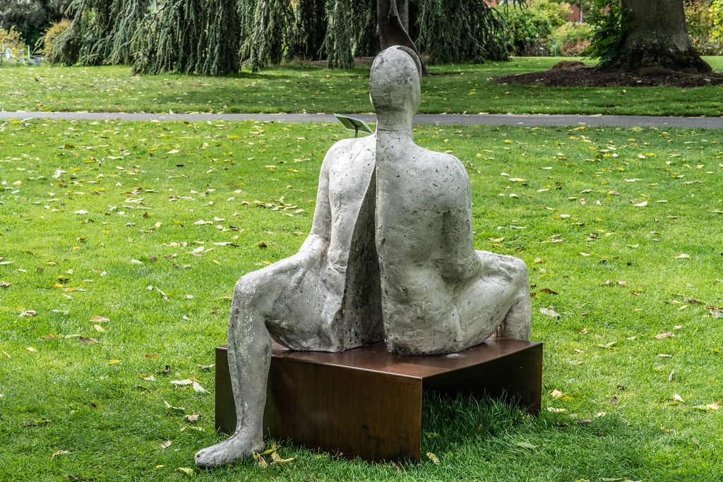 SAME SAME DIFFERENT BY BRIAN SYNNOTT CATALOGUE REFERENCE 142 [SCULPTURE IN CONTEXT 2018 IN THE BOTANIC GARDENS]-144024