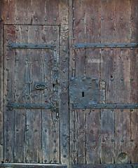 CALABUIG - PORTA ESGLESIA (Joan Biarnés) Tags: calabuig altempordà empordà girona porta puerta 266 panasonicfz1000