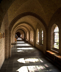 Oosterhout - Sint Paulusabdij (grotevriendelijkereus) Tags: oosterhout abdij abbey convent klooster benedictine architecture architectuur gebouw building interior interieur traditionalisme traditionalism