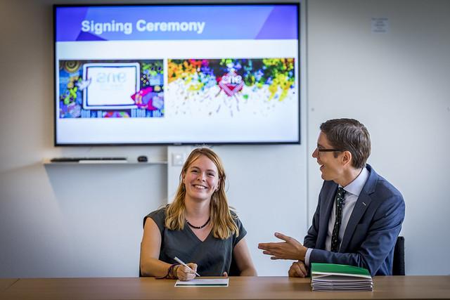 Yvet signing