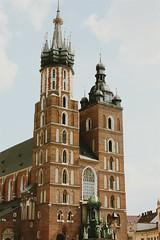 St. Mary's Basilica, Kraków (Gondolin Girl) Tags: krakow poland europe travel city holiday holidays break citybreak architecture church mainsquare rynekglowny stmarysbasilica