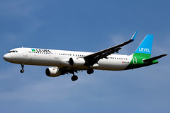OE-LCN Airbus A321-211SL FOO  LGW (Jetstar31) Tags: oelcn airbus a321211sl foo lgw