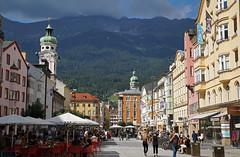 Innsbruck - Maria-Theresien-Straße (Guido Rabea) Tags: sony 99m2 innsbruck häuser berge mariatheresienstrasse