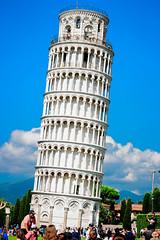 Torre Di Pisa (radoslav.bonev) Tags: people gente monument monumento viaje travel summer verano tuscany toscana italy italia canon700d 50mm sky cielo nubes clouds piazzadeimiracoli torredipisa towerofpisa pisa piazzadeiduomo