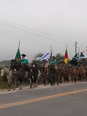 13/09/18 - Visita a Prefeitura e ao Parque Eólico de Chuí. No caminho, chegada da Chama Crioula na cidade durante a Semana Farroupilha.
