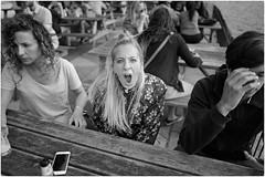 Point and Shout (Steve Lundqvist) Tags: shout yell scream urlo hyde park english london londra inghilterra england uk britain british street streetphotography fashion moda