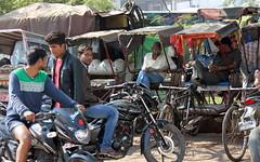 agra transport hub (kexi) Tags: agra india asia uttarpradesh men people transport motorcycles rickshaws many various canon february 2017 instantfave