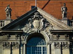 Wilhelm II (Raoul Pop) Tags: brand relief pediment art person descriptor familycrest structure royal sculpture man statue eaves object time column historic stone efigy berlin germany de