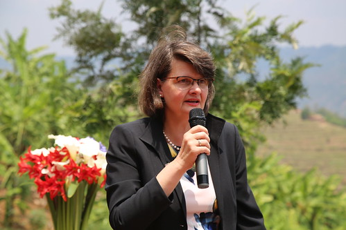 Visit by German Par-lia-men-tary State Sec-re-tary Dr Maria Flachs-barth, Par-lia-men-tary to Yanze River Watershed Protection Investment