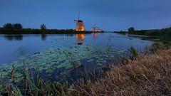 Floodlights in Kinderdijk 2018 -2- (Wim Boon Fotografie) Tags: kinderdijk wimboon windmill unescoworldheritage sunset alblasserwaard holland nederland netherlands leefilternd09softgrad leefilter canon300mmf4lis14ex canonef1635mmf4lisusm