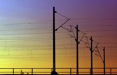 elektrizitaet-bahn-strom-oberleitung (elmar theurer) Tags: energie energy strommast powerpole electric tower linien kabel himmel turm oberleitung sundown silhouette strasenbahn schattenriss sky karlsruhe