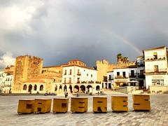 Cáceres. Plaza Mayor (yanitzatorres) Tags: cielo sky rainbow arcoíris tourists tours turismo medioevo medieval torre tower summer vacations vacaciones square plazamayor plaza extremadura cáceres spain españa
