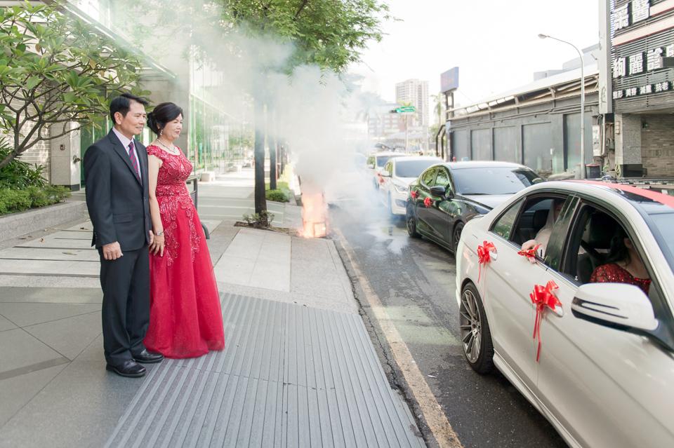高雄婚攝 海中鮮婚宴會館 有正妹新娘快來看呦 C & S 072