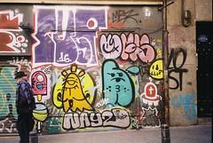 graffito ️✏️ (Manu Higueras) Tags: 35mm 35mmfilm 35mmphotography believeinfilm ishootfilm keepfilmalive filmforever filmphoto filmcommunity filmisnotdead filmphotography filmfeed filmphotographer filmcamera graffiti streetphoto madrid kodak olympusmju